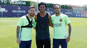 Ronaldinho Spotted With Messi And Neymar At FC Barcelona Training Ground (Photos)
